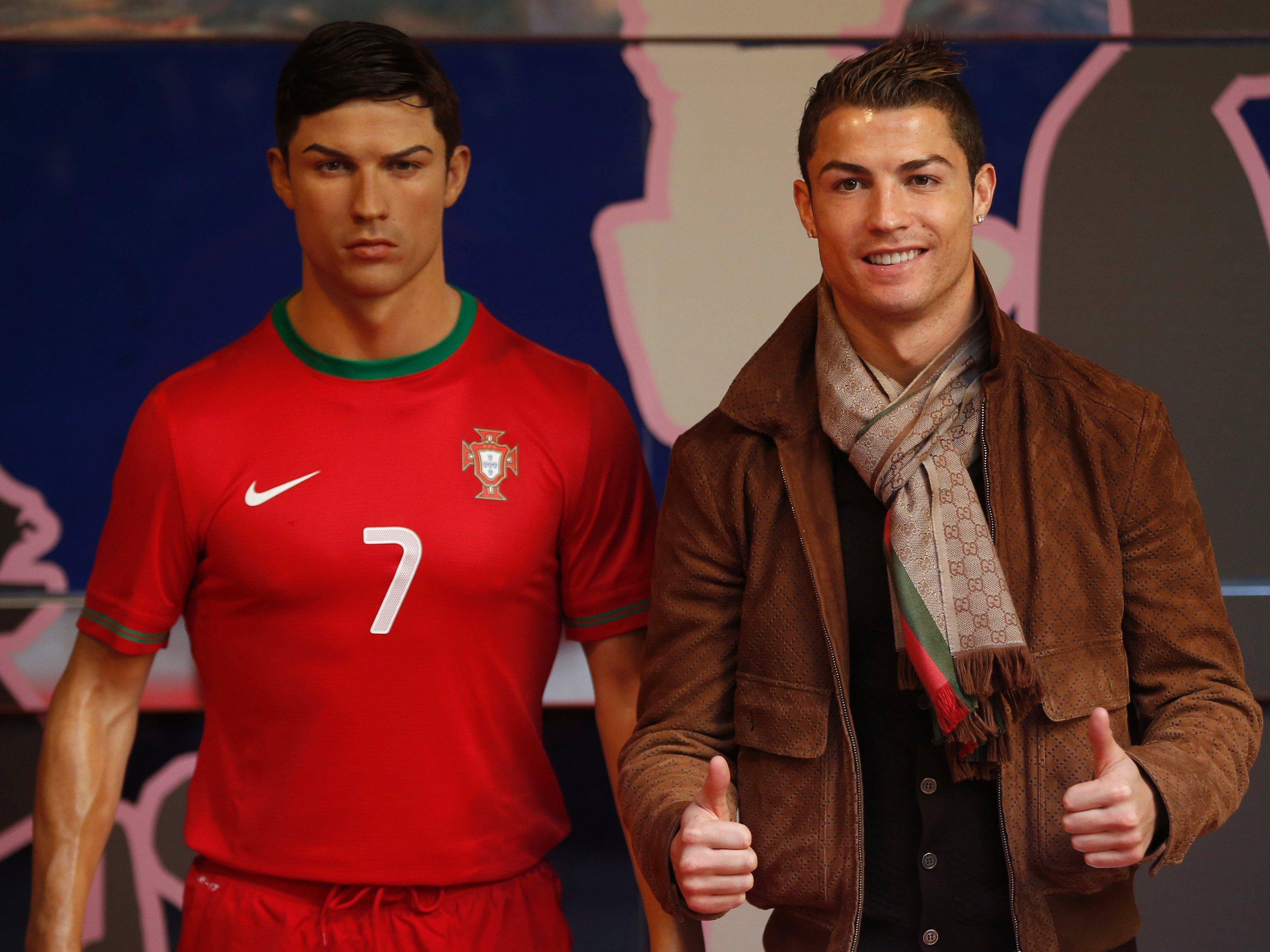 Cristiano, Ronaldo, NIKE, Billions, Samsung, KFC, Herbalife, Castrol, Real Madrid, Portugal