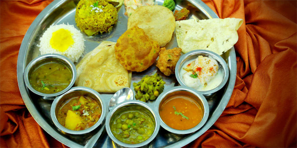 Pune Specialities, Pune Special, Hotel Shreyas, Bedekar, Blue Nile, Sujata Mastani, Marz-o-rin, German Bakery, Chitale, Pune Special Food