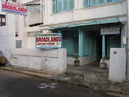 India, Indians, Ban, Goa, Kasol, Sakura Ryokan, Broadland Lodge, Foreigners-only Beach, Freekasol Café, UNO-IN hotel