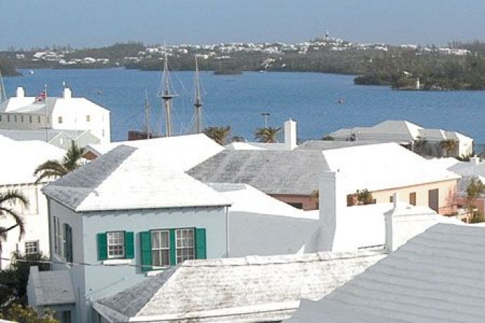 Ever Wondered Why The Houses In Bermuda Have White Stepped Roofs?