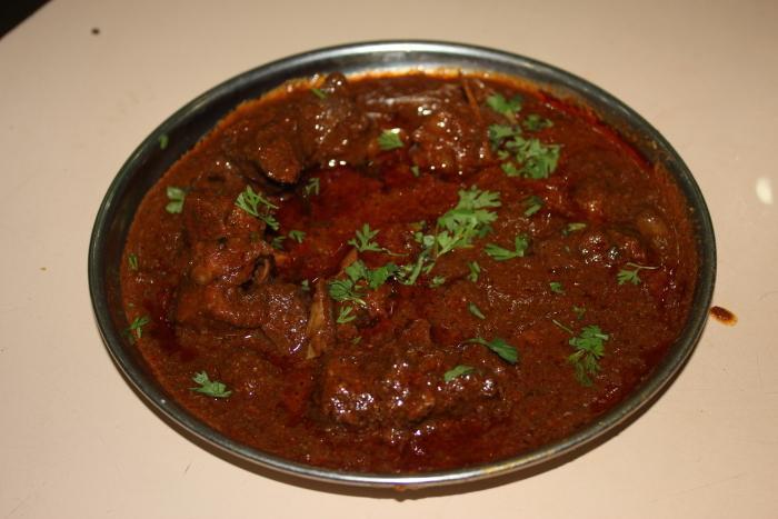 Nagpur, Saoji, Saoji Bhojnalay, Spicy Food, Food In Nagpur, Bhojanalaya, Non-Veg, Non-Vegetarian
