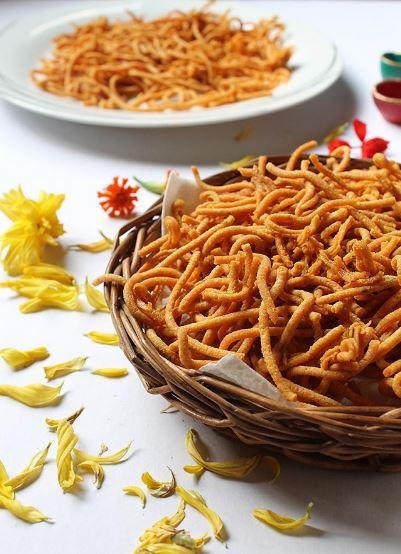 Diwali, Happy Diwali, Sweets, Diwali Sweets, Deepawali, Dipawali, Diwali Recipes, Gujiya, Sev, Laddu
