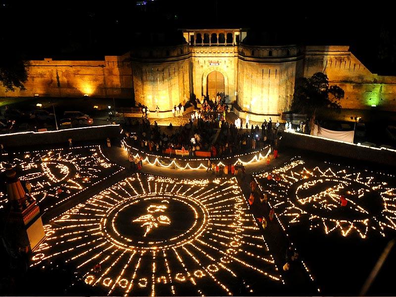 Diwali In Pune, Pune, Diwali, Shaniwarwada, Diwali Pahat, Diwali Pahat In Pune, Diwali At Shaniwarwada, Temples In Pune During Diwali