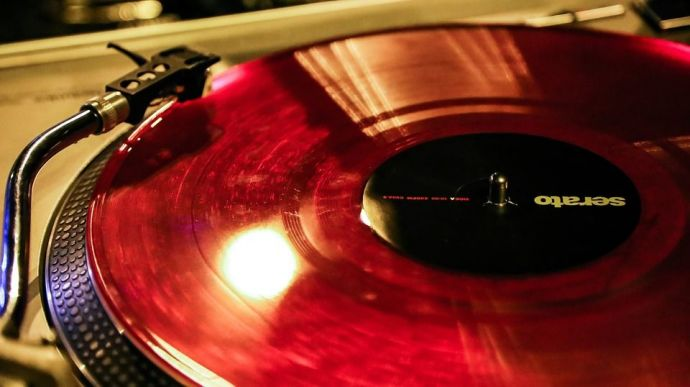 Sony To Bring Back Vinyl Records After Three Decades Reacho