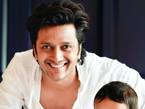 Star Pravah, Riteish Deshmukh, Riteish Deshmukh as Host, Marathi Quiz Show On Star Pravah, Actor Riteish Deshmukh, Dancing Superstar, Vikta Ka Uttar, Host of Vikta Ka Uttar