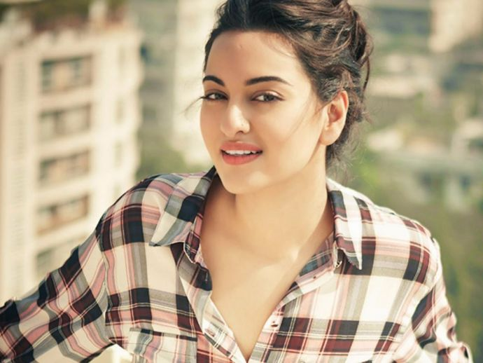 sonakshi sinha, birthday, drama queen, movies, Birthday Of Sonakshi Sinha, Gifs Of Sonakshi Sinha, Funny Gifs On Sonakshi Sinha, Sonakshi Sinha, Happy Birthday Sonakshi Sinha
