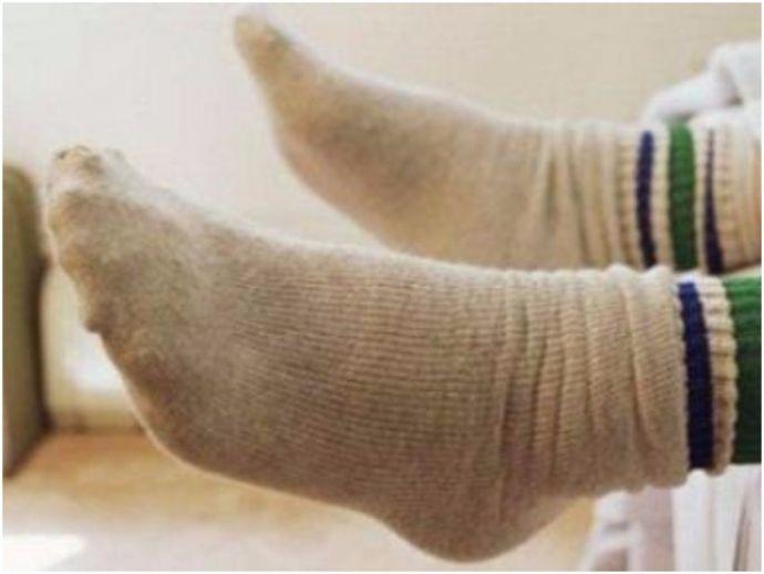 socks, smelly socks, delhi, dharamshala, tourist, Bus