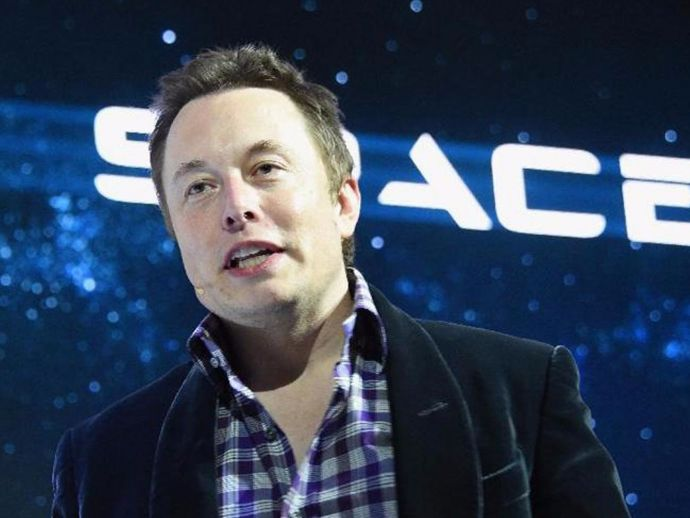 ELon Musk, SpaceX, Falcon Heavy, Falcon 9, spacecraft, spaceship, orbit, Tesla, Roadster, car, David Bowie, Space Oddity, song, blasting, midnight, cherry, cheese, wheel, volume, payload