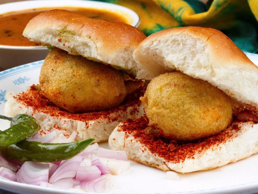 Must To Eat Food In Nagpur, Best Food Items In Nagpur, List Of Food Items In Nagpur, Tarri-Poha In Nagpur, Ghugre's wada-Pav Nagpur, Chole Kulchhe from Haldiram In Nagpur, Chaatcone from Chaatcone Waala Nagpur, Thupka Nagpur, Samosa from Preeti Corner Nag, Must To Eat Food Items At Nagpur, Best Food At Nagpur, Best Food Places At Nagpu