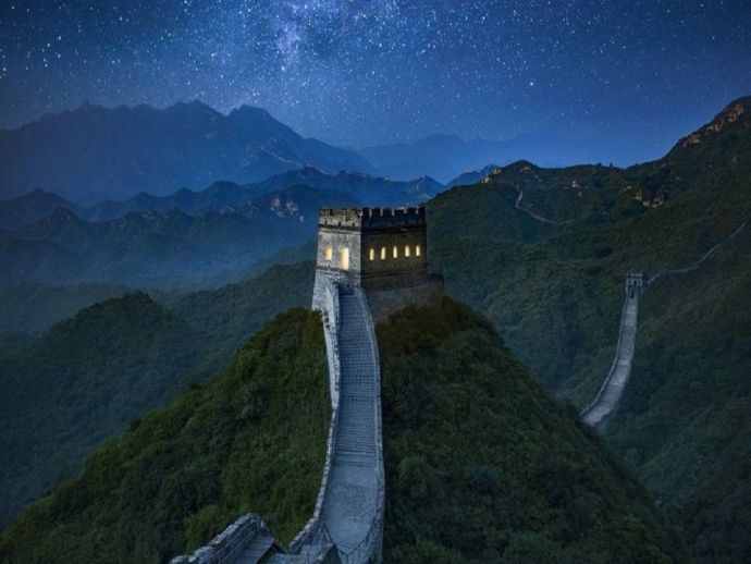 Airbnb, China, The Great Wall of China, Beijing Tourism Development Committee, night stay, staycay, dinner, heritage site protection, cultural exchange, historian, hike, classical music concert, sunset, calligraphy, wonder of the world