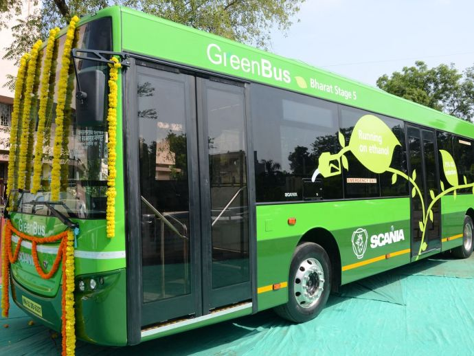 Nitin Gadkari, Devendra Fadnavis, Government, eco friendly, smart buses, ethanol, diesel, Nagpur