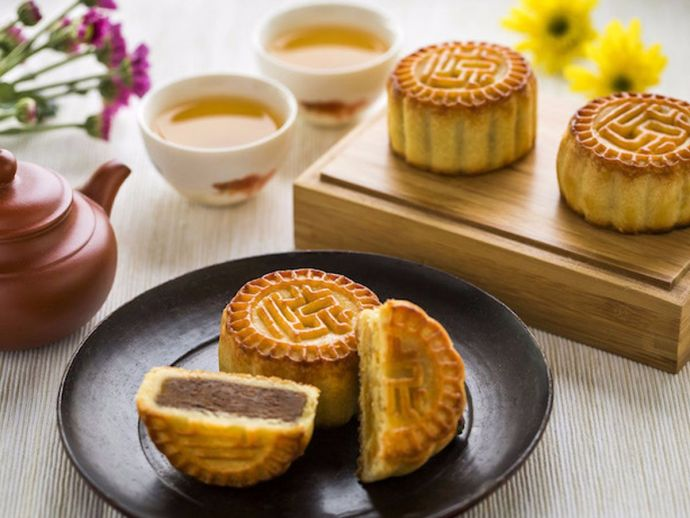 Mooncakes, Chinese Cuisine, Chinese dessert, Sweet delicacies, food and tradition, types of cake, cake, various types of food across globe