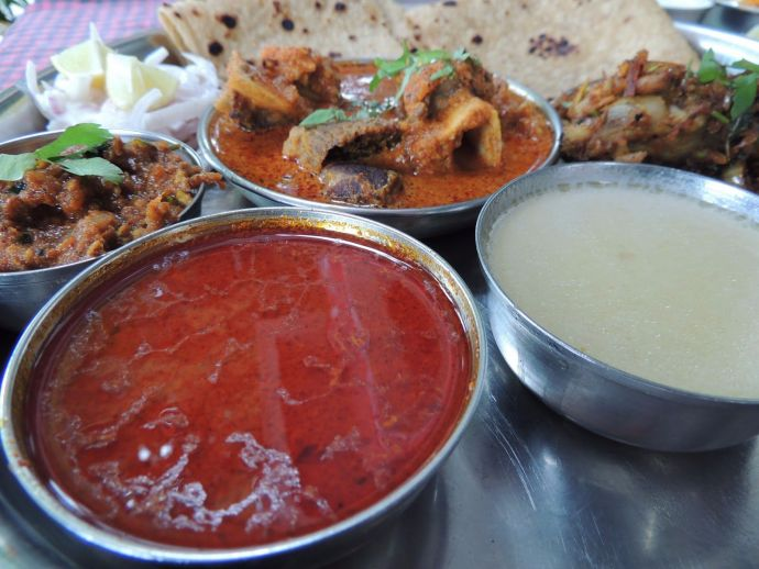 kolhapuri, tambda, pandhra, rassa, mutton, gravy, masala, lavangi, bedgi, mirchi
