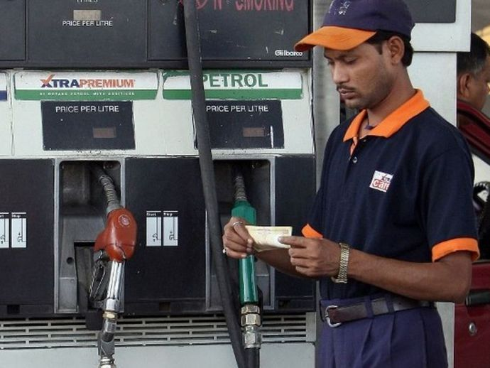 petrol pumps, surcharge, demonetisation, modi, debit cards, cash crunch