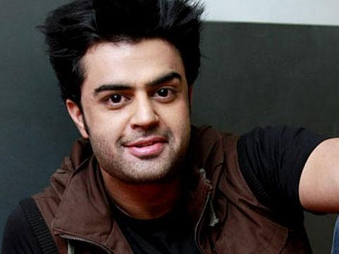TV Anchor, TV Anchor Manish Paul, Manish Paul, Jhalak Dikhlaja, Jhalak Dikhlaja 9, Highest Paid Anchor, Highest Paid Bollywood Anchor