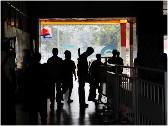 nagpur, nagpur railway station, gondia, murtizapur, badnera, railway stations, security system, 202 railway station, railway board, Central Railway, raipur, bilaspur, South East Central Railway, itarsi, howrah, wardha, cctvs, baggage scanners, Santra Mark