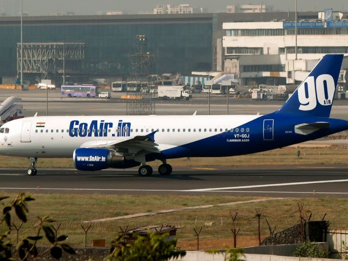 Delhi, Bengaluru, GoAir, Airplane, teenagers, flight, 194, fire, emergency landing