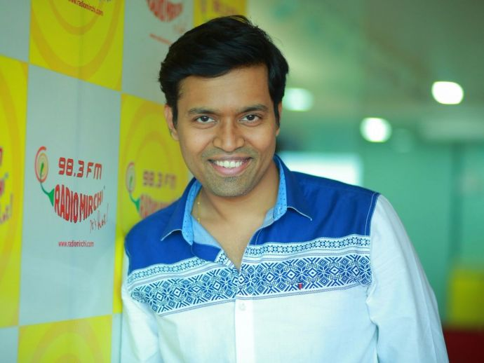 RJ Rahul, Radio Jockey, Pune, Radio Mirchi, Kalti Katti, 98.3 FM, Radio Channels in India, It's Hot