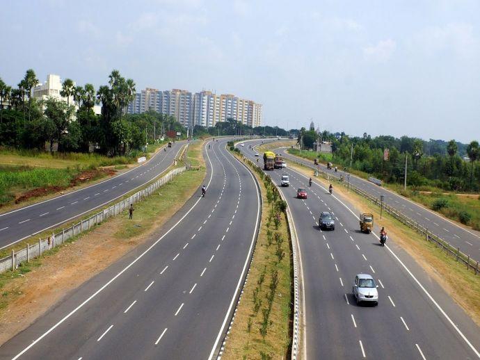 six, lane, Nagpur, Bhandara, road, development, NHAI, tender, three months, 45km, 980 crore, Pardi, Katol, Umred, official, Vidarbha, local bodies, encroachment, possession, Devendra Fadnavis, Nitin Gadkari, union transport, minister, rehabilitate, projec