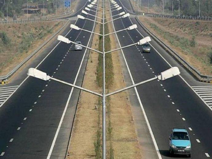 nagpur, mumbai, Nagpur-Mumbai expressway, Maharashtra Samruddhi Marg, MSRDC, Maharashtra STate Government, Devendra Fadnavis, Chief Minister of Maharashtra, Concrete road, motorist, heavy vehicles, bhiwandi