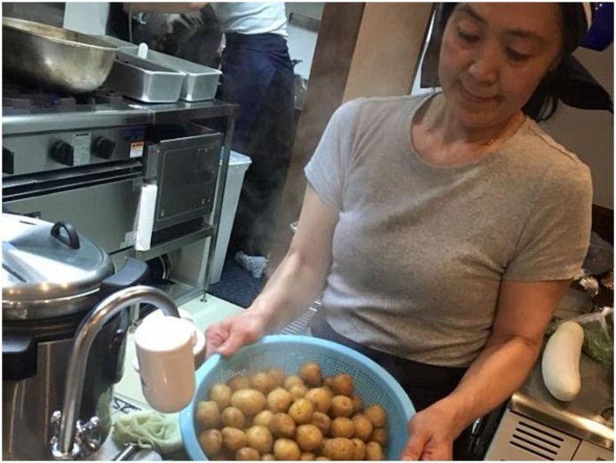 restaurant, japan, tokyo, food, bill, washing the dishes, Sekai Kobayashi, Mirai Shokudo, inclusive, eatery, diner, japanese cuisine