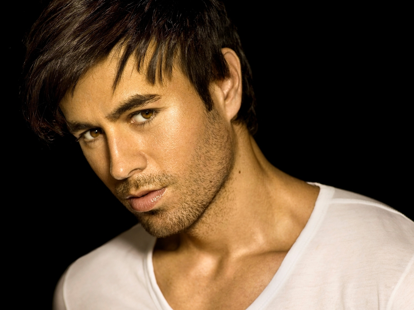 Enrique Songs, Songs, Albums, Girls Go Weak, Enrique Iglesias, Addicted, Hero, Escape, Could I have this Kiss, Be with you, Bailamos, Rhythm Divine, Love to see you cry, Maybe, Do you know