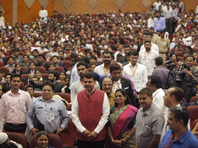 YES, 2018, summit, Youth Empowerment Summit, Nagpur, Devendra Fadnavis, Nitin Gadkari, youth, youngsters, empower, jobs, leaders, change, makers, dynamic, employment, matters, issues, talks, speeches, programme, three, days, Vasantrao Deshpande, hall, aud