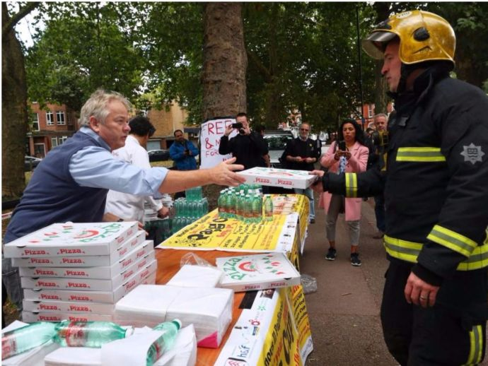 London tube attacks, Parsons Green, London, ISIS, Standing together, terrorism, UK, Pagliaccio, Free Pizza