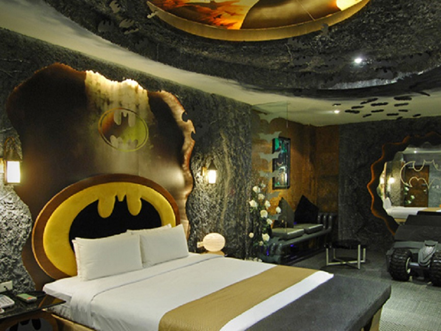 Batman, Hotel, Hotel Room, The Dark Knight, BatmanvSuperman, Theme, Batman Theme, Batman Costume