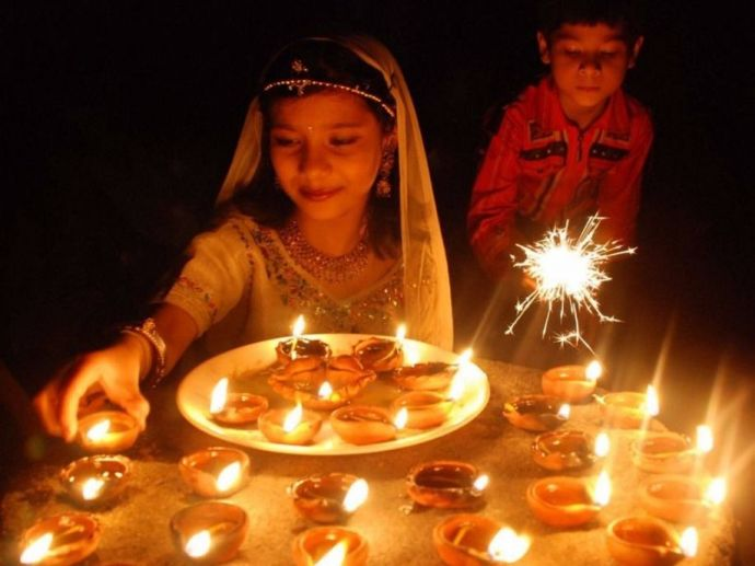 Diwali, celebration, tradition, festive, occasion, 90s, kids, shopping