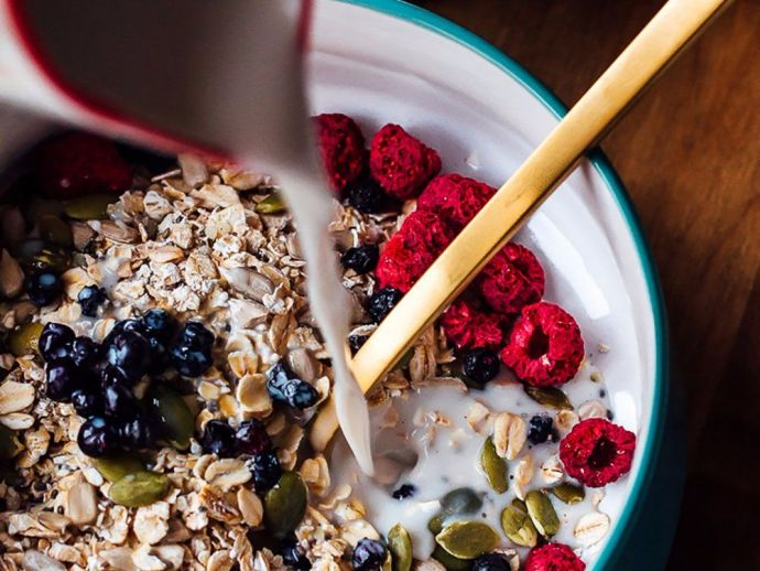 Muesli, history, Bircher-Benner, Switzerland, physician, Zurich, breakfast, cereal, mix