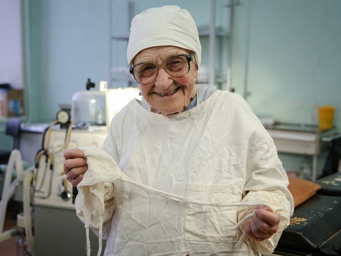Alla Ilyinichna Levushkina, Russia, 89 years old, surgeon, medical, old age, inspiration