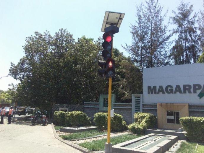 nagpur, nagpur news, Mahametro, metro, nagpur metro, traffic police nagpur, Solar Traffic Signals, Traffic Signals