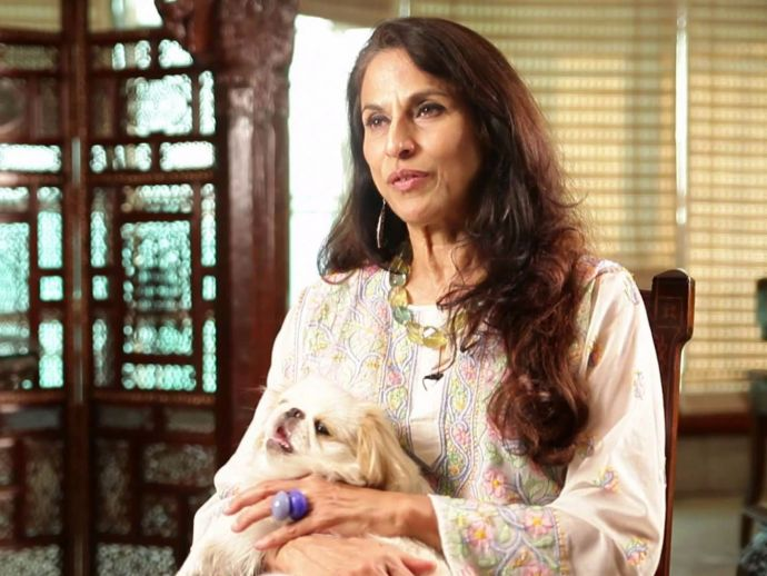 Shobhaa De, Mumbai Police, Madhya Pradesh Police, fat shaming, twitter, Shobhaa De's Latest Controversy, Shobhaa De's Tweet On Indian Police, Shobhaa De Latest, Shobhaa De on Twitter, Shobhaa De tweets