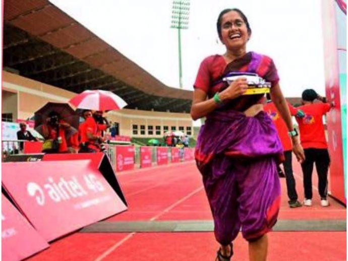 Jayanthi Kumar, marathon, saree, 42 kms, inspiration, bindi, sandals, Lata Bhagwan, Hyderabad, uday bhaskar dandamudi