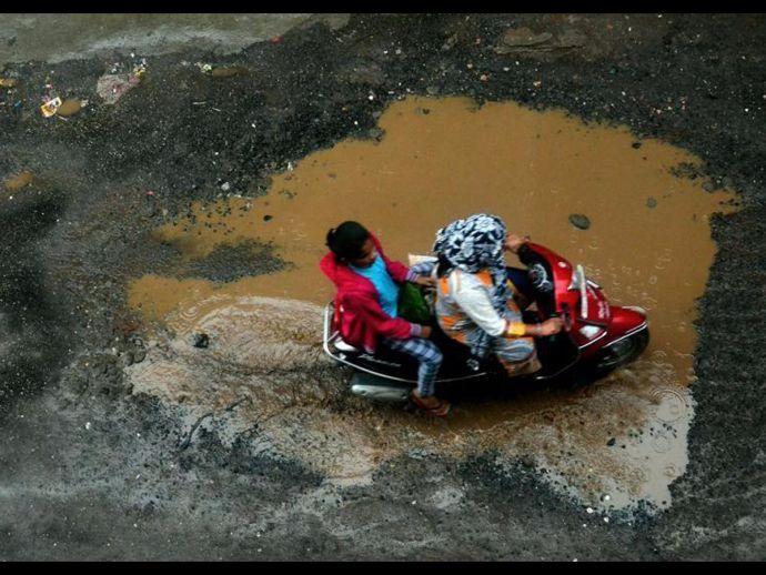 PMC, Pothole, Prashant Inamdar, Pune, Traffic