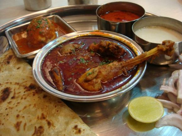 Late Night Dhabas In Nagpur, Dhabas In Nagpur, 24*7 Dhabas In Nagpur, Late Night Foods In Nagpur, Gurmeet Dhaba, Puran Singh Dhaba, Sher-e-Punjab, Girdhar Da Dhaba, Khalsa, Rana Punjabi, Late Night Dhabas At Nagpur, Late Night Food At Nagpur