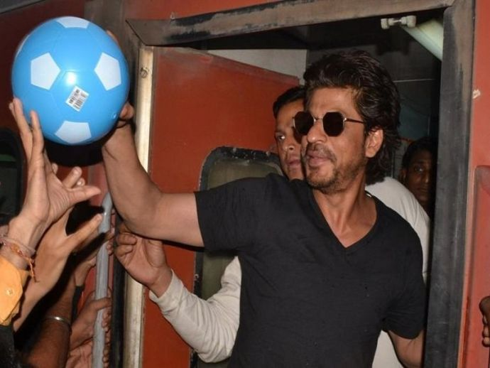 Shah rukh Khan, Raees, Vadodara, Kota, stampede, promotion, movie, bollywood