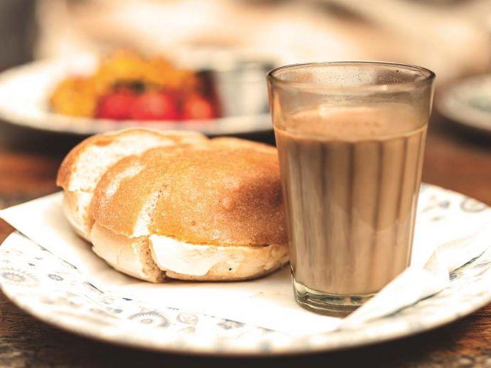 Bun-Maska, Chai, Pune, Cafés, Irani, iconic, restaurants, food, cuisine, vohuman, goodluck, aur irani chai, yezdan, diamond queen, kohinoor, apollo