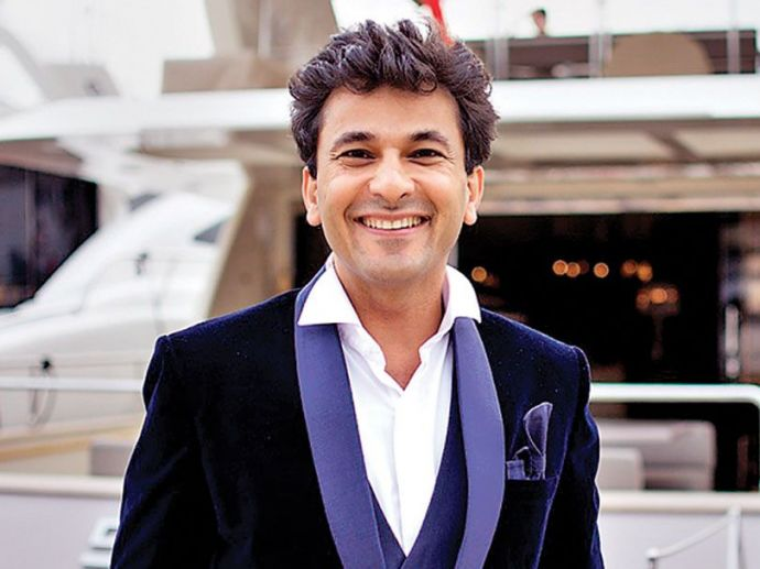 Vikas Khanna, Gazette Review's list, Top 10 Chefs in the world, Indian Chef, Celebrity chef, Gordan Ramsay, Michelin Star, India, Popular chef, Best Indian Chefs, Best Indian Chef Vikas Khanna, Utsav - A Culinary Epic By Vikas Khanna, Indian Chef In Top 1