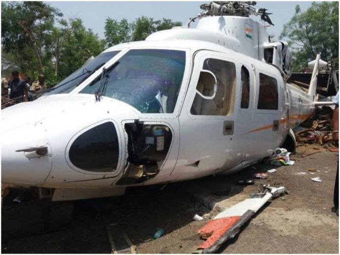 Devendra Fadnavis, Maharashtra, Latur, CM, BJP, Maharashtra CM's Chopper Crash, Helicopter crash at Latur, Devendra Fadnavis's Chopper Crash