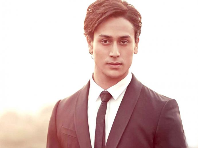 tiger Shroff, ICC, Cheerleader, Tiger Shroff  For Icc Champions Trophy, Promotional Video For ICC Champions trophy, Cheerleader For India At ICC Champions Trophy, Tiger Shroff And ICC Champions Trophy