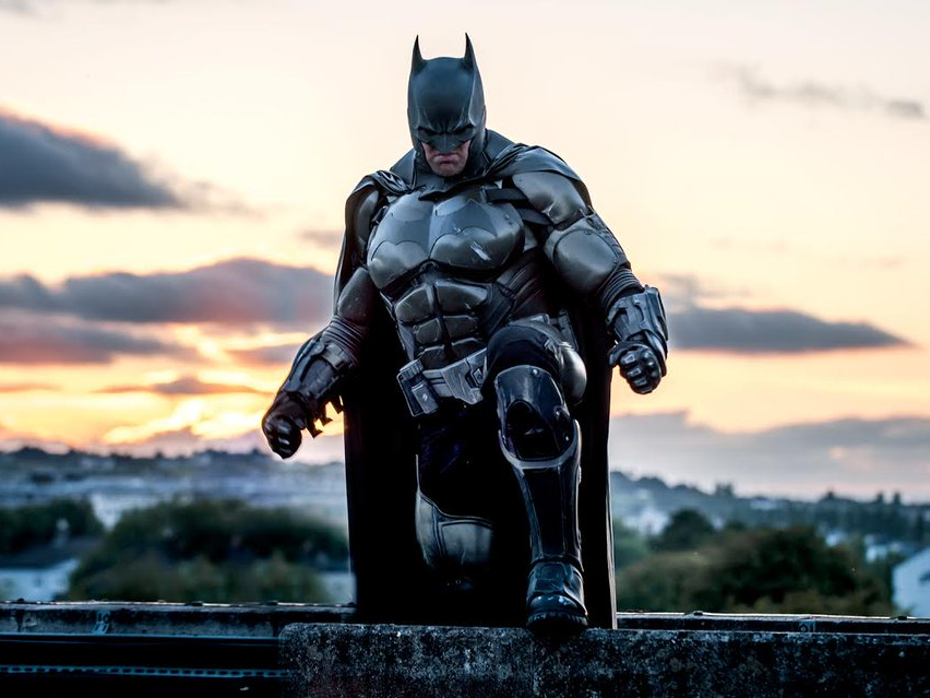 Batman, Real Batman, Guinness World Record, World Record, Record By Batman, Batman ArKham Origins, Record Breaker, Julian Checkley, Bat-Suit, Bat-flask