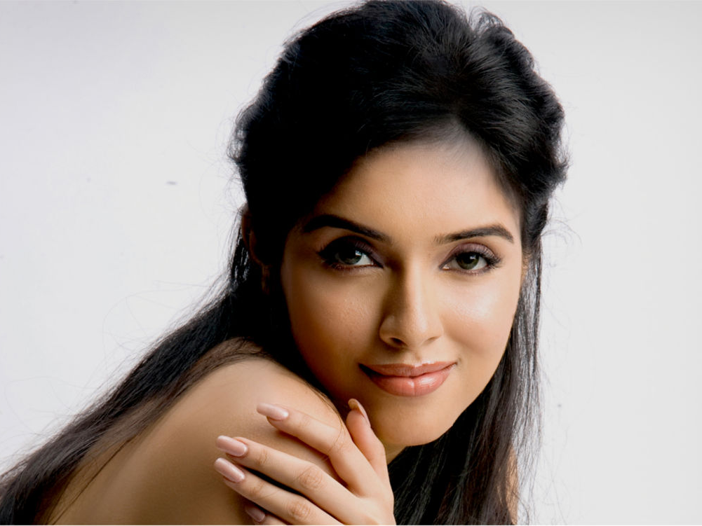 Asin, Birthday, Ghajini, Bollywood, Dialogues, Drama Queen
