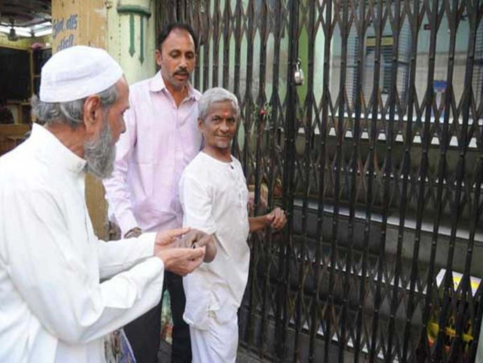 Hindus, Ahmadabad Gujarat, Azaan, mosque, muslims