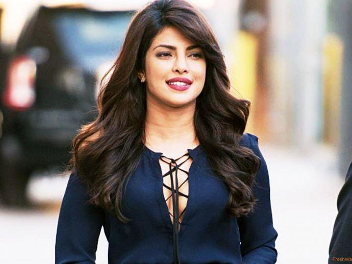 Priyanka Chopra, Friendly, Awesome, Fan Followers, The most admired person in bollywood, Priyanka chopra's attitude, congenial, Priyanka's personality traits