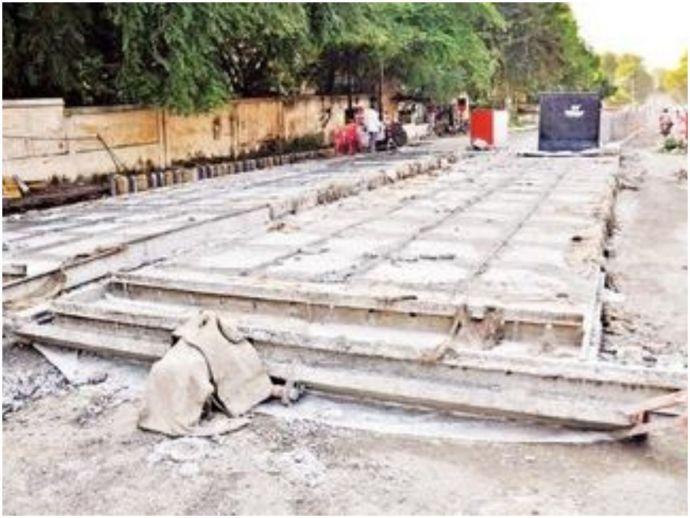 nagpur, nmc, roads, cement roads, tar roads, metro, mahametro, state government, special funds, 60 crore, maharashtra