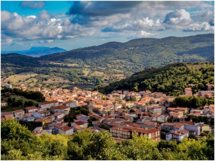"""travel, italy, countryside, italian countryside, history, historical properties, Ollolai, Sicily, Tuscany, Abruzzo, """"Case 1 euro"""" project"""