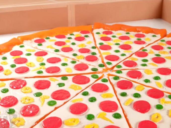 Gummy Pizza, World's largest Pizza, Sweet pizza, candy pizza, World's largest gummy pizza, Derek, Jamie, Vat19
