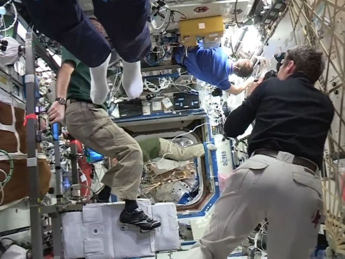 Mannequin Challenge, Astronaut, International Space Station, Thomas Pesquet